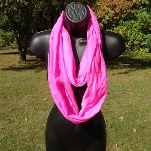Accessories - 💝50%OffBundles Hot Pink infinity scarf